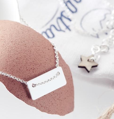 Bracelet argent bijoux caché dans un oeuf